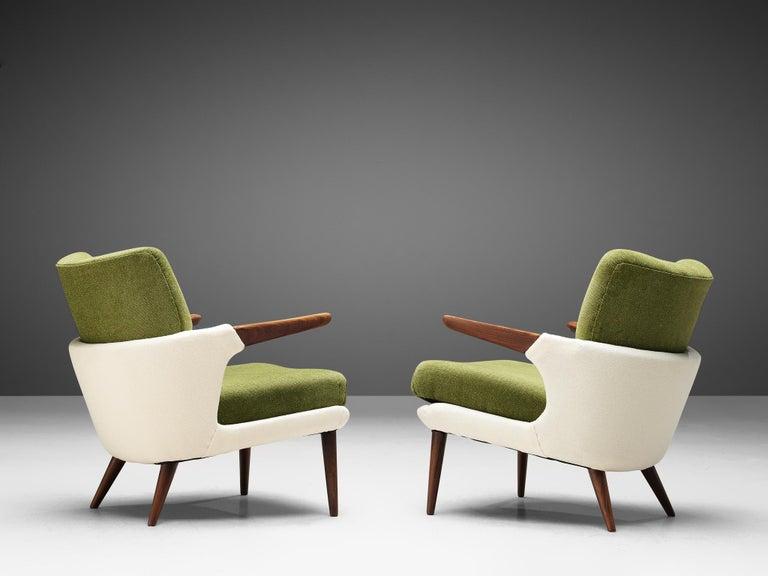 Pair of Rare Easy Chairs by Ib Kofod-Larsen In Good Condition For Sale In Waalwijk, NL