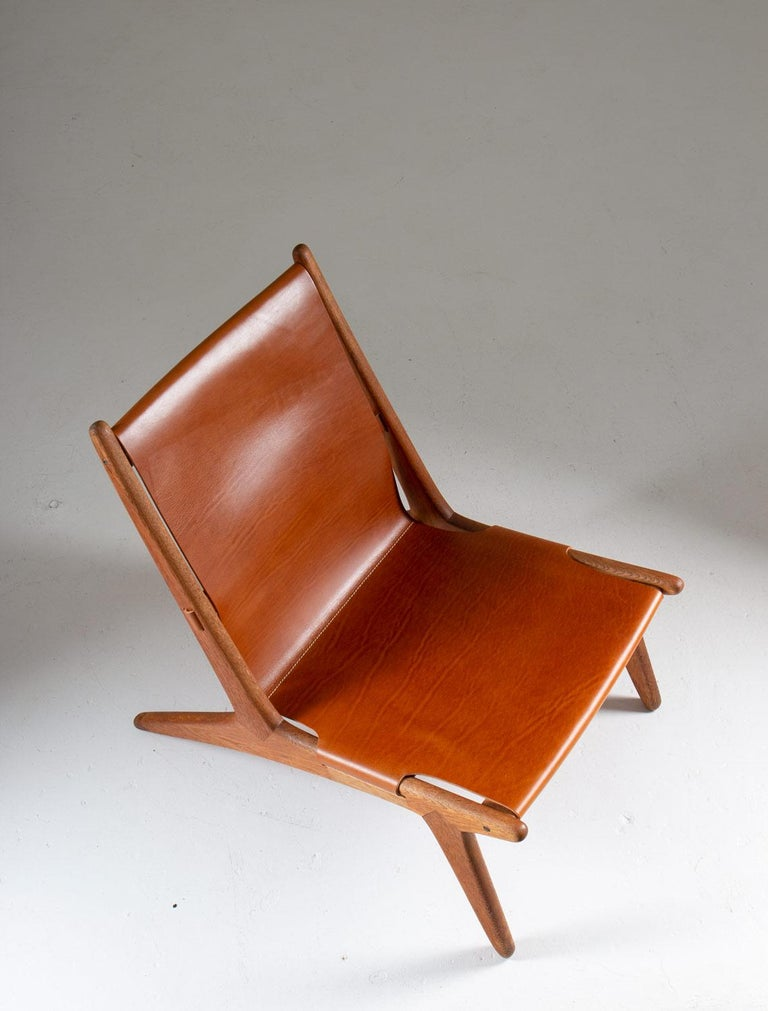 Mid-Century Modern Pair of Rare Hunting Chairs 204 by Uno & Östen Kristiansson for Luxus, Sweden For Sale