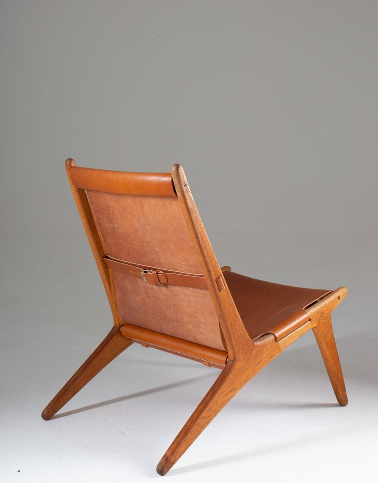 Pair of Rare Hunting Chairs 204 by Uno & Östen Kristiansson for Luxus, Sweden In Good Condition For Sale In Karlstad, SE