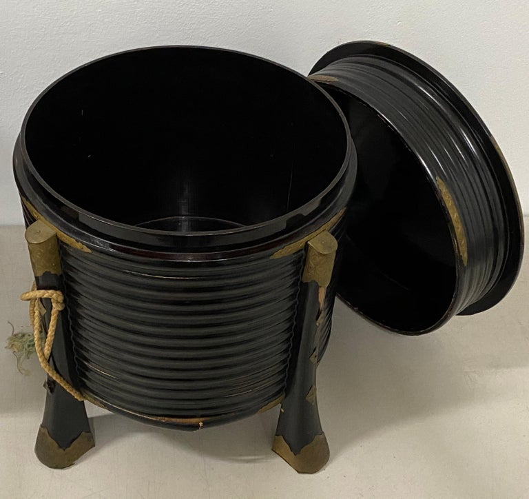 Pair of Rare Japanese Samurai Helmet Boxes, circa Mid-19th Century For Sale 2
