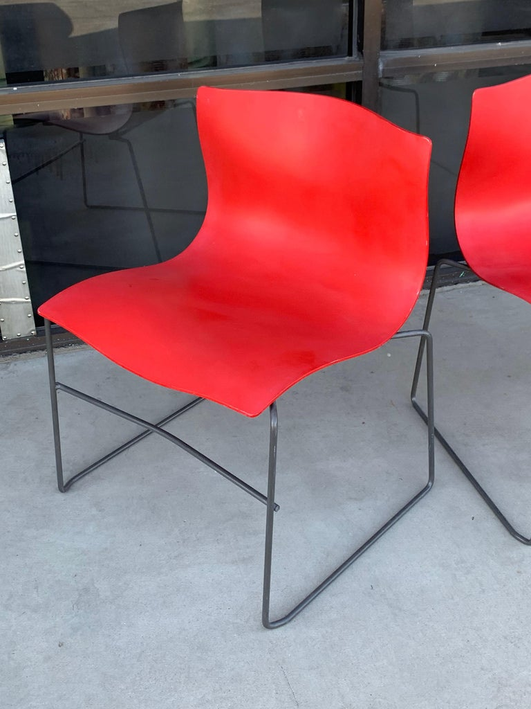 Pair of Rare Red Handkerchief Chairs by Massimo Vignelli, 1985 In Good Condition In Palm Springs, CA