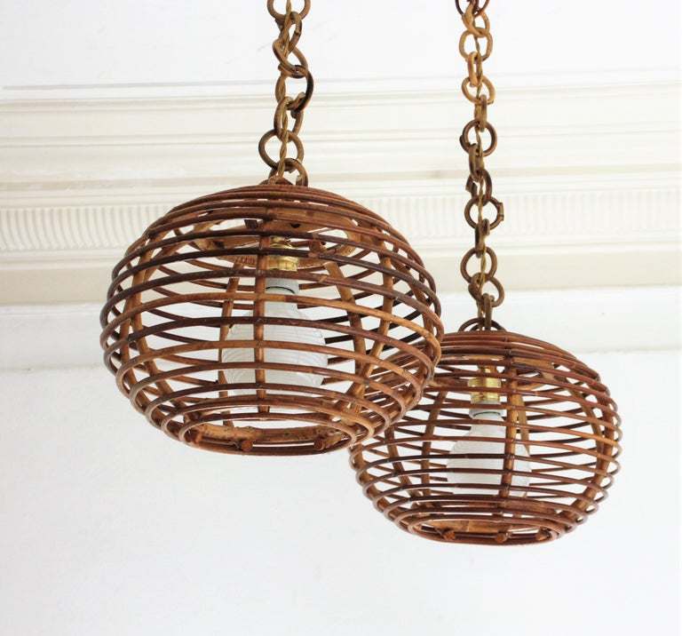 Mid-Century Modern Pair of Rattan Globe Pendants or Hanging Lights, 1950s For Sale