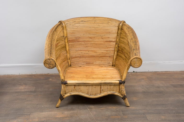 Mid-Century Modern Pair of Rattan Lounge Chairs For Sale
