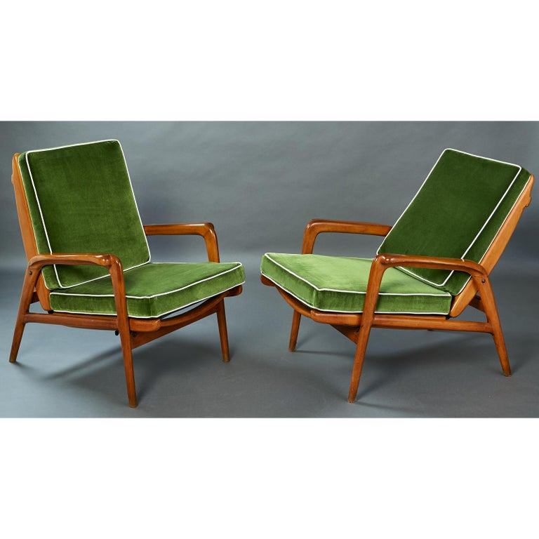 Pair of Reclining Wood Armchairs, Italy, 1950s In Good Condition For Sale In New York, NY