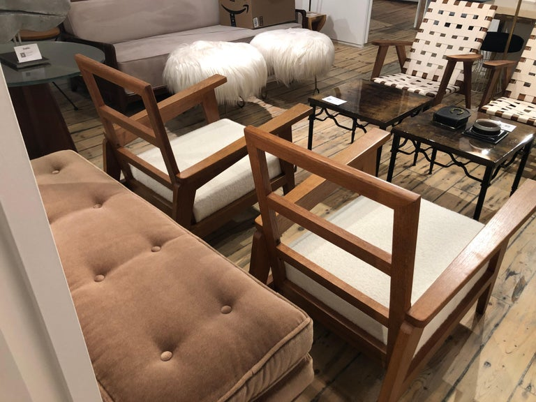 Pair of Reconstruction Oak Armchairs In Good Condition For Sale In New York, NY