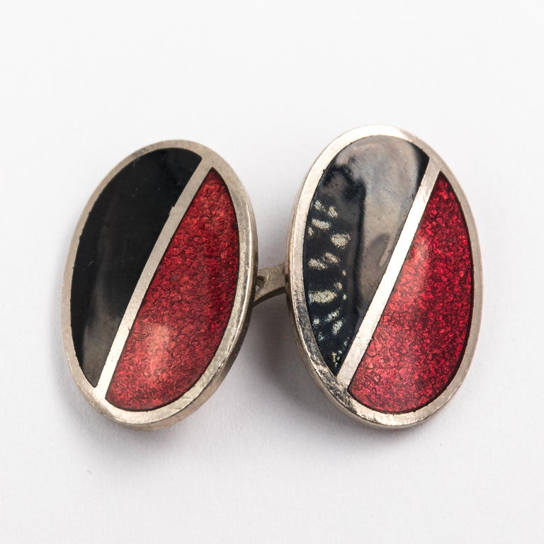 Men's Pair of Red and Black Enamel Cufflinks For Sale