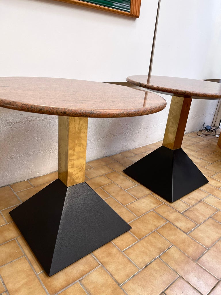 Italian Pair of Red Granite and Brass Side Tables, Italy, 1980s For Sale