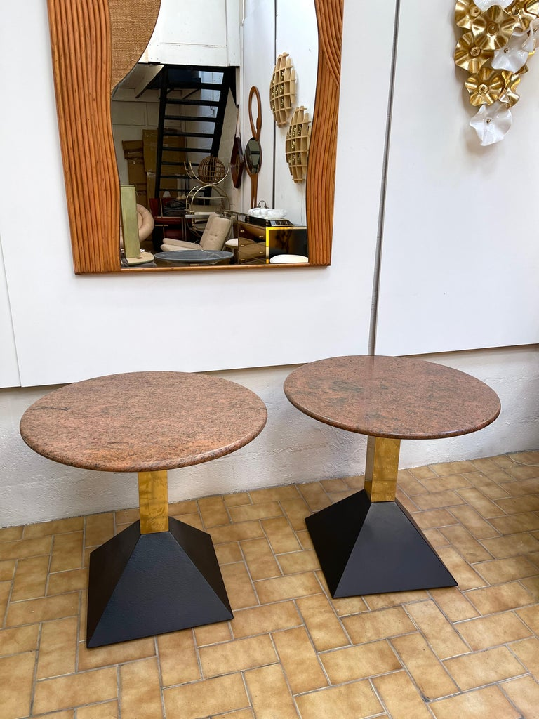 Pair of Red Granite and Brass Side Tables, Italy, 1980s In Good Condition For Sale In SAINT-OUEN, FR