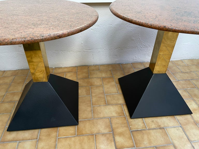 Pair of Red Granite and Brass Side Tables, Italy, 1980s For Sale 1