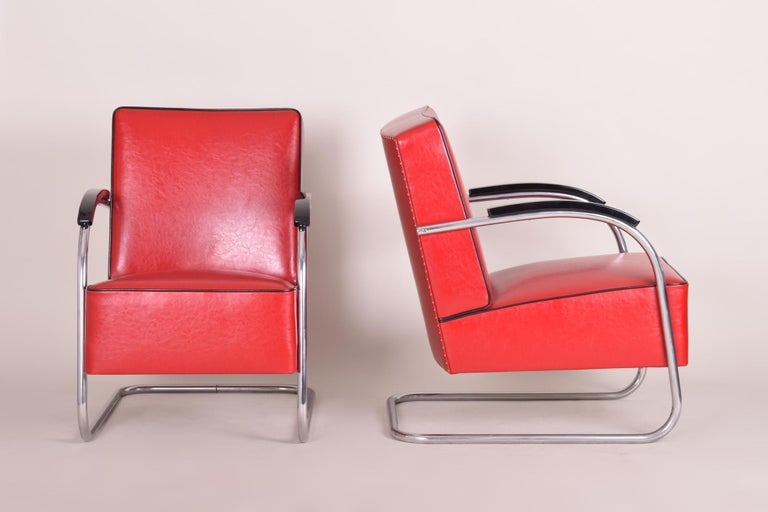 Bauhaus Art Deco armchair Completely restored, new upholstery and leather Material: Chrome Source: Czechoslovakia, Mücke - Melder Period: 1930-1939.  We guarantee safe a the cheapest air transport from Europe to the whole world within 7 days. The