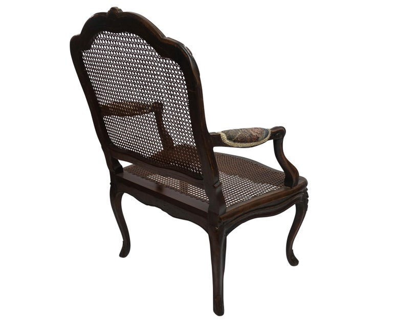 Pair of Regence Armchairs with Cane Seats and Backrests, 18th Century In Excellent Condition For Sale In San Francisco, CA