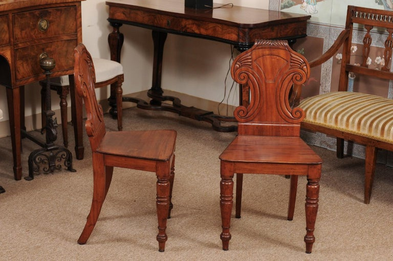 Pair of Regency English Mahogany Hall Chairs, circa 1810 For Sale 5