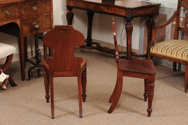 Pair of Regency English Mahogany Hall Chairs, circa 1810 For Sale 2