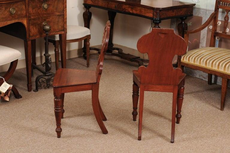 Pair of Regency English Mahogany Hall Chairs, circa 1810 For Sale 3