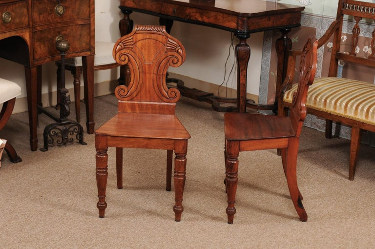 Pair of Regency English Mahogany Hall Chairs, circa 1810 For Sale 4