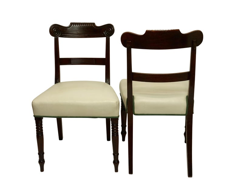 Carved Pair of Regency Mahogany Dining Side Chairs, English, circa 1830 For Sale
