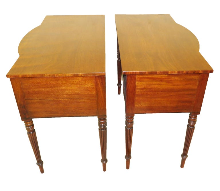 19th Century Pair of Regency Mahogany Dressing Tables For Sale