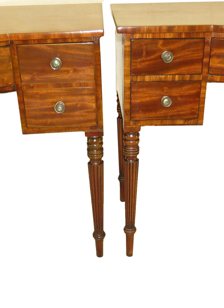 Pair of Regency Mahogany Dressing Tables For Sale 1