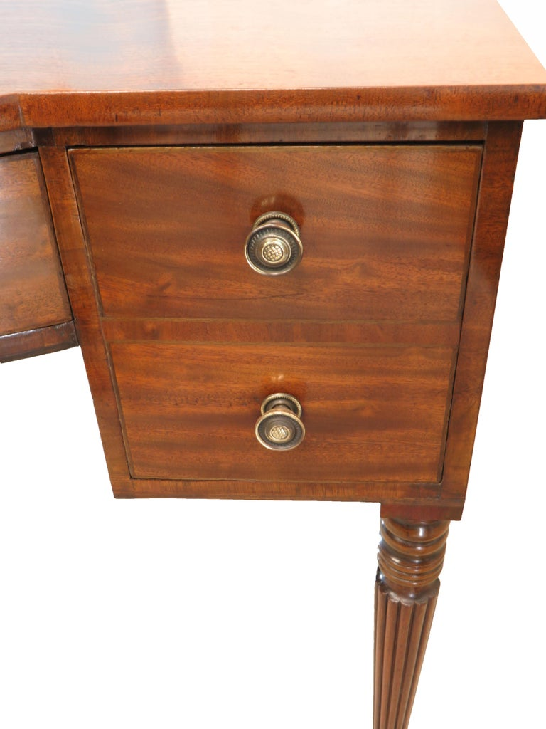 Pair of Regency Mahogany Dressing Tables For Sale 4