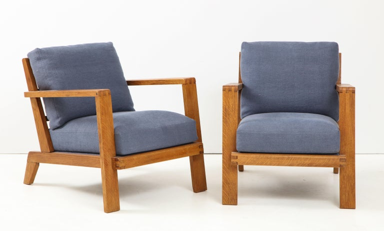 Pair of René Gabriel Oak Armchairs Upholstered in Blue Linen In Good Condition For Sale In New York City, NY