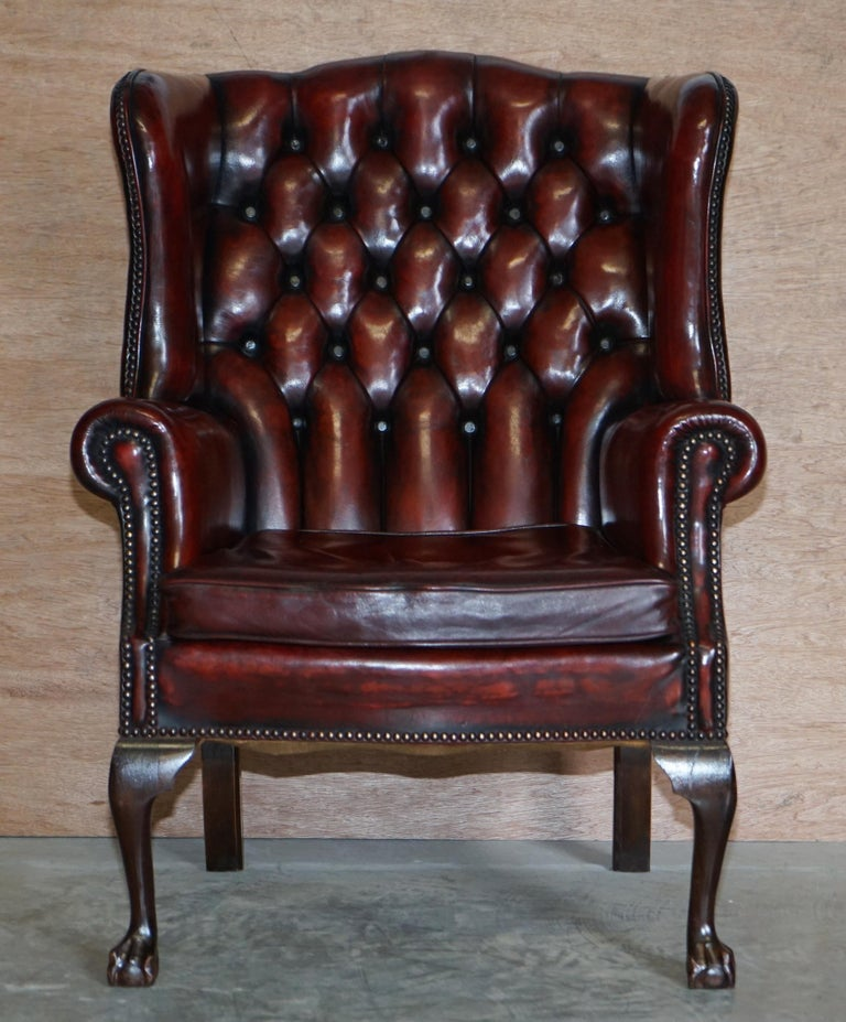 Edwardian Pair of Restored Claw & Ball Chesterfield Wingback Bordeaux Leather Armchairs For Sale