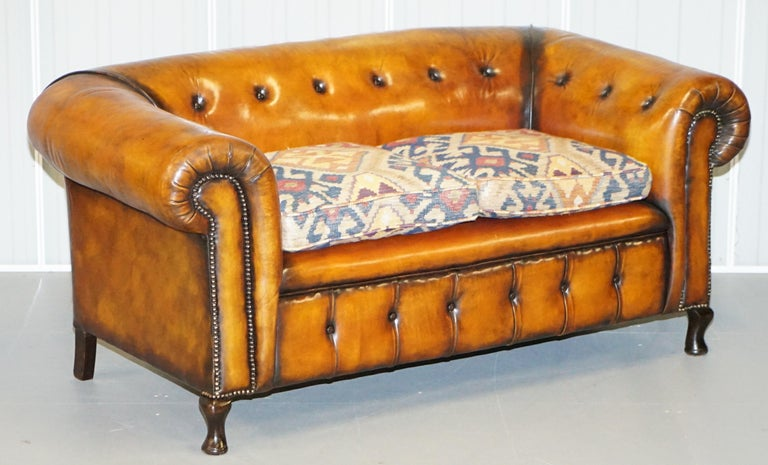 Pair of Restored Victorian Gentleman Club Chesterfield Leather Sofas Kilim Seats For Sale 6