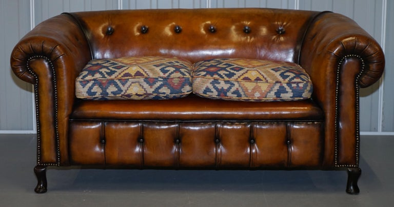 Pair of Restored Victorian Gentleman Club Chesterfield Leather Sofas Kilim Seats For Sale 7