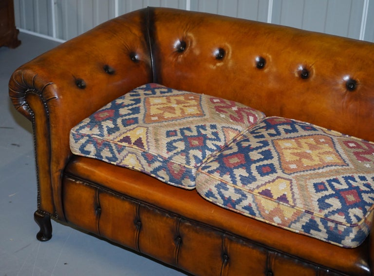 Pair of Restored Victorian Gentleman Club Chesterfield Leather Sofas Kilim Seats For Sale 12