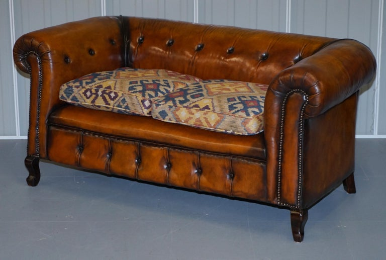 Hand-Crafted Pair of Restored Victorian Gentleman Club Chesterfield Leather Sofas Kilim Seats For Sale