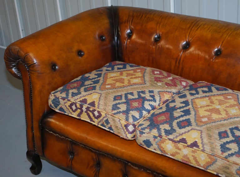 19th Century Pair of Restored Victorian Gentleman Club Chesterfield Leather Sofas Kilim Seats For Sale