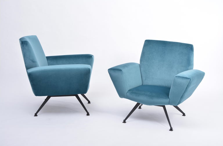 Pair of Reupholstered Teal colored Italian Lounge Chairs by Lenzi, 1950s In Good Condition For Sale In Berlin, DE
