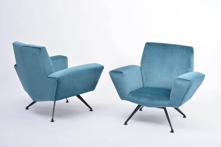 20th Century Pair of Reupholstered Teal colored Italian Lounge Chairs by Lenzi, 1950s For Sale
