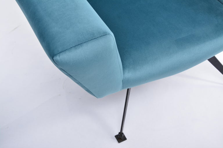 Pair of Reupholstered Teal colored Italian Lounge Chairs by Lenzi, 1950s For Sale 1