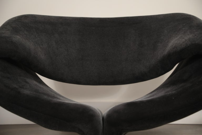 Pair of Ribbon Chairs by Pierre Paulin for Artifort, Netherlands, circa 1966 For Sale 4