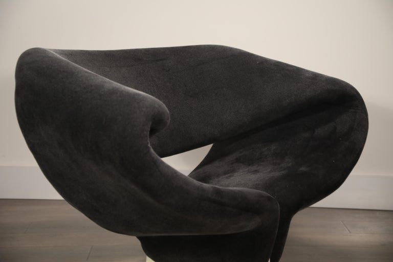 Pair of Ribbon Chairs by Pierre Paulin for Artifort, Netherlands, circa 1966 For Sale 6