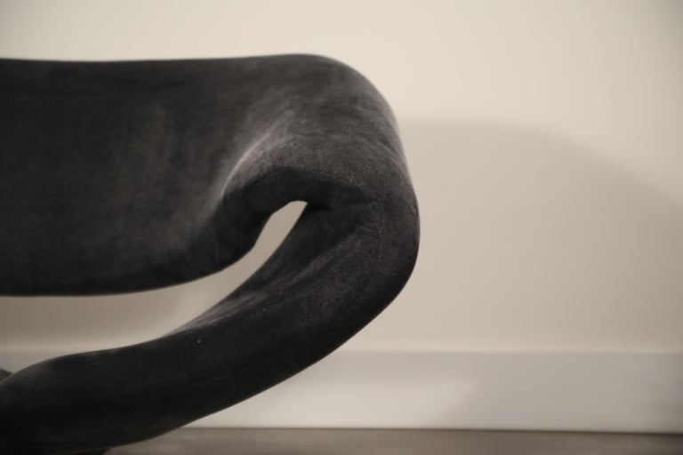 Pair of Ribbon Chairs by Pierre Paulin for Artifort, Netherlands, circa 1966 For Sale 8