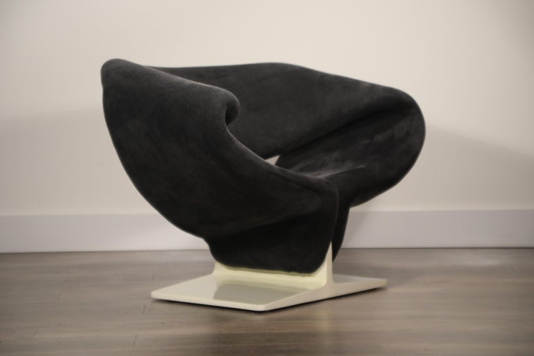 Velvet Pair of Ribbon Chairs by Pierre Paulin for Artifort, Netherlands, circa 1966 For Sale
