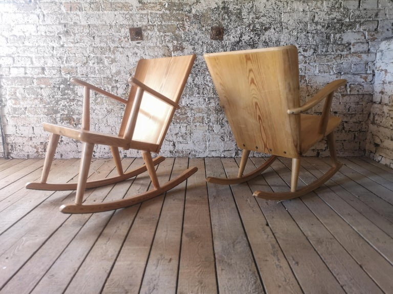 Pair of Rocking Chair in Pine, Göran Malmvall, Sweden, 1940s For Sale 6