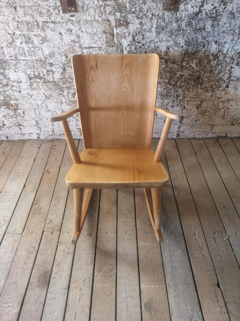 Pair of Rocking Chair in Pine, Göran Malmvall, Sweden, 1940s For Sale 2