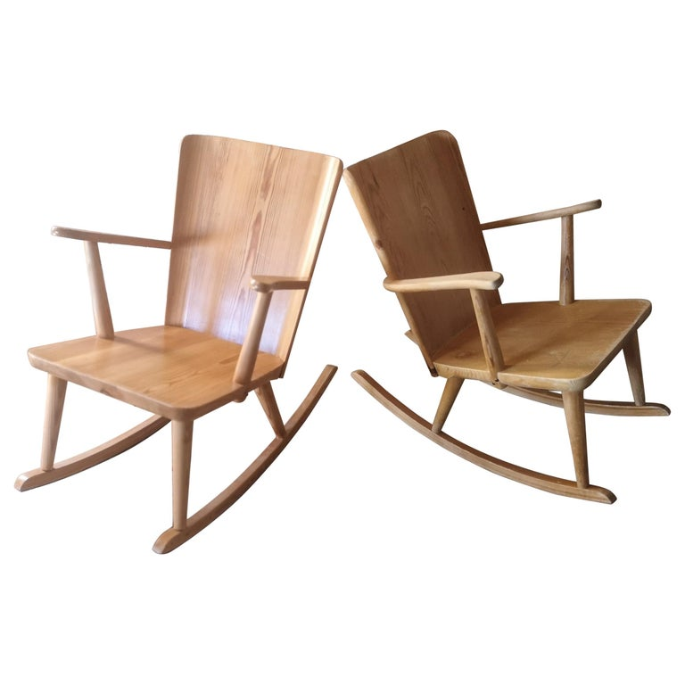 Pair of Rocking Chair in Pine, Göran Malmvall, Sweden, 1940s For Sale