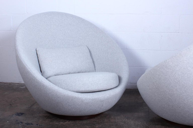 Upholstery Pair of Rocking Swivel Chairs by Milo Baughman For Sale