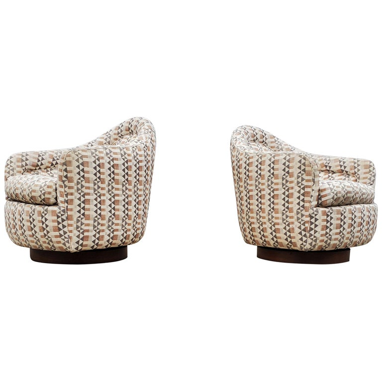 Pair of Rocking Swivel Chairs by Milo Baughman For Sale