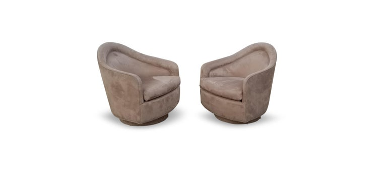Pair of Rocking Swivel Lounge Chairs by Milo Baughman For Sale 2