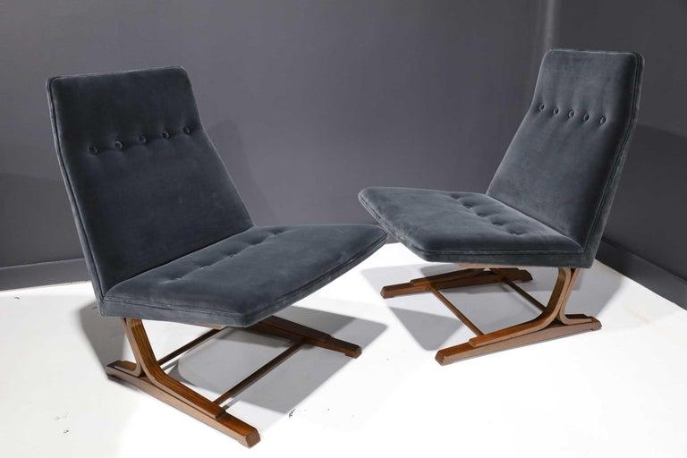 Pair of Roger Sprunger for Dunbar Cantilevered Chairs in Blue Velvet For Sale 4