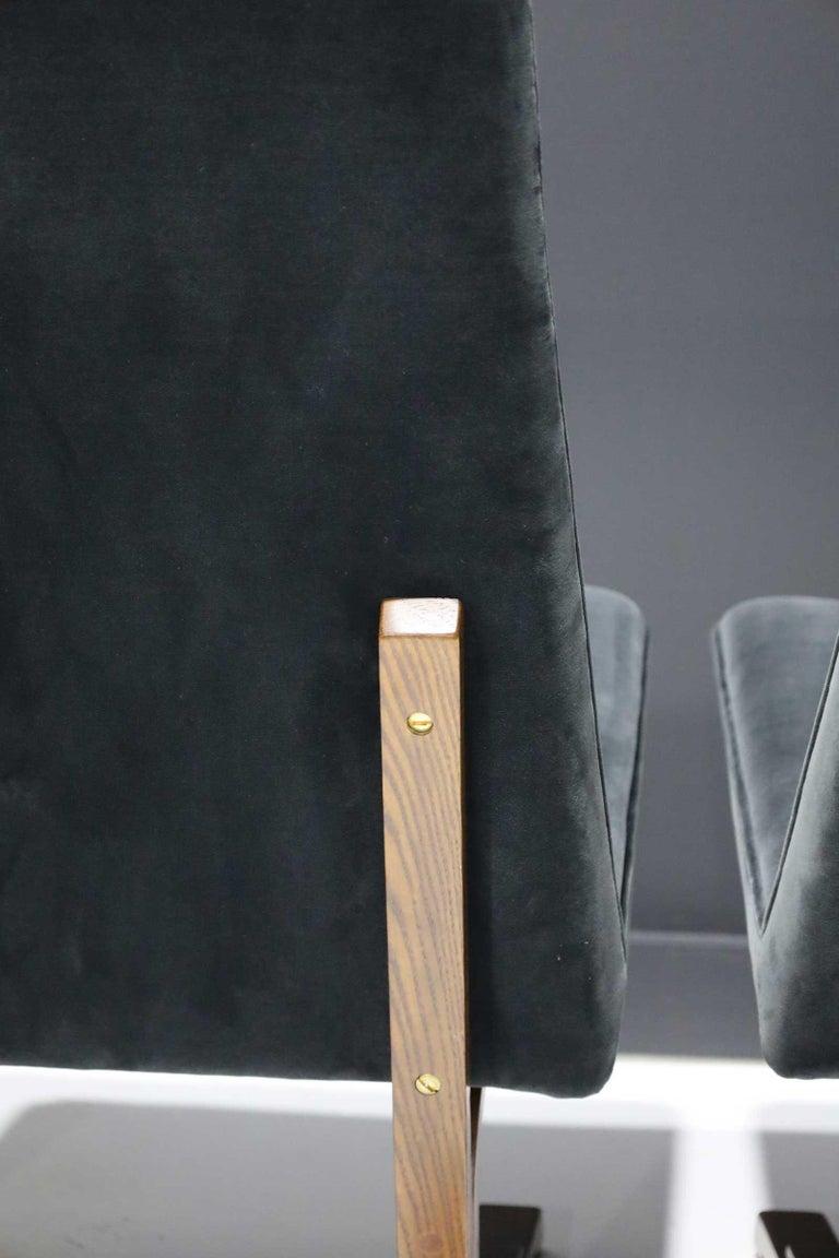 20th Century Pair of Roger Sprunger for Dunbar Cantilevered Chairs in Blue Velvet For Sale