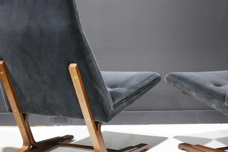 Pair of Roger Sprunger for Dunbar Cantilevered Chairs in Blue Velvet For Sale 1