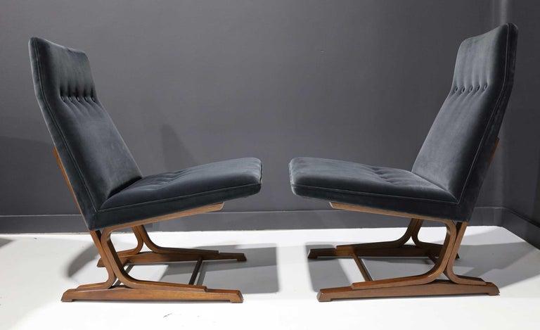 Pair of Roger Sprunger for Dunbar Cantilevered Chairs in Blue Velvet For Sale 2