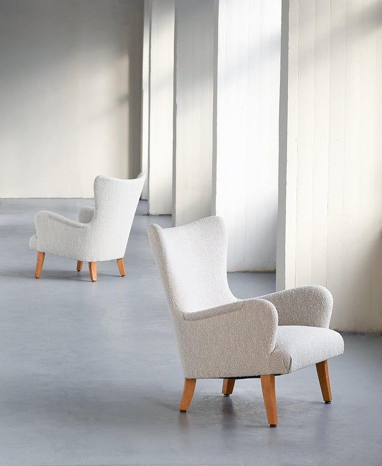 Scandinavian Modern Pair of Rolf Engströmer Armchairs in Pearl Bouclé and Sycamore, Sweden, 1946 For Sale