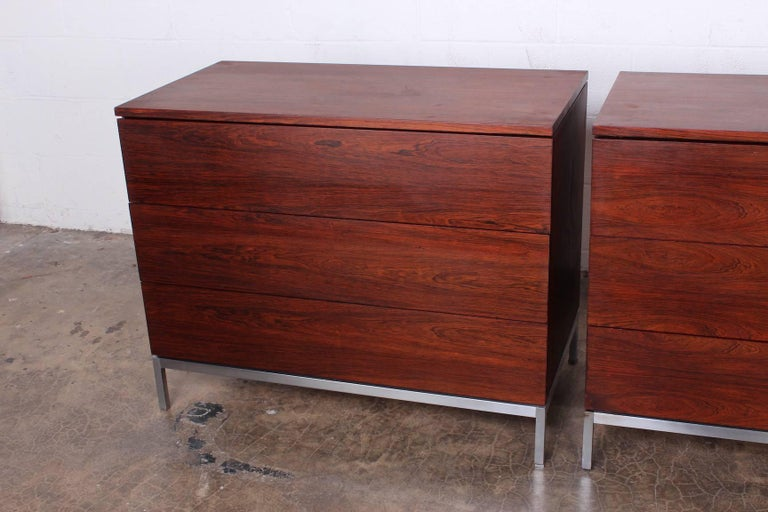 Mid-20th Century Pair of Rosewood Chests by Florence Knoll For Sale