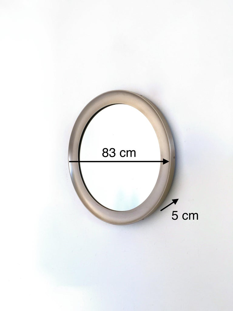 Pair of Round Mirrors by Sergio Mazza for Artemide with Steel Frame, Italy 1950s For Sale 3